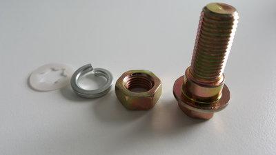 Bout voor autogordel (20mm schroefdraad) MET STEP - set van bout, moer en ring voor autogordel
